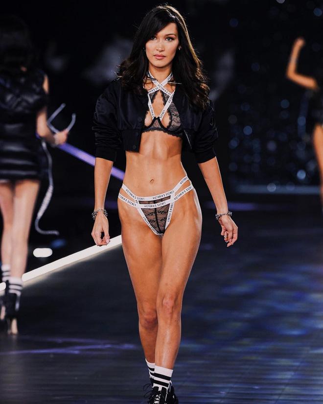 HOT: Chiêm ngưỡng những hình ảnh mãn nhãn của Victorias Secret Fashion Show 2018-12