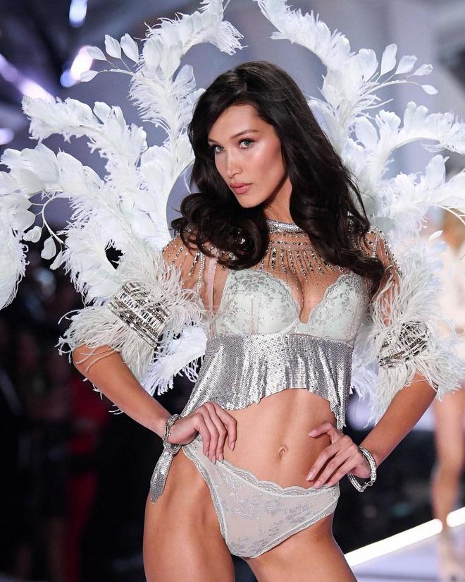 HOT: Chiêm ngưỡng những hình ảnh mãn nhãn của Victorias Secret Fashion Show 2018-13