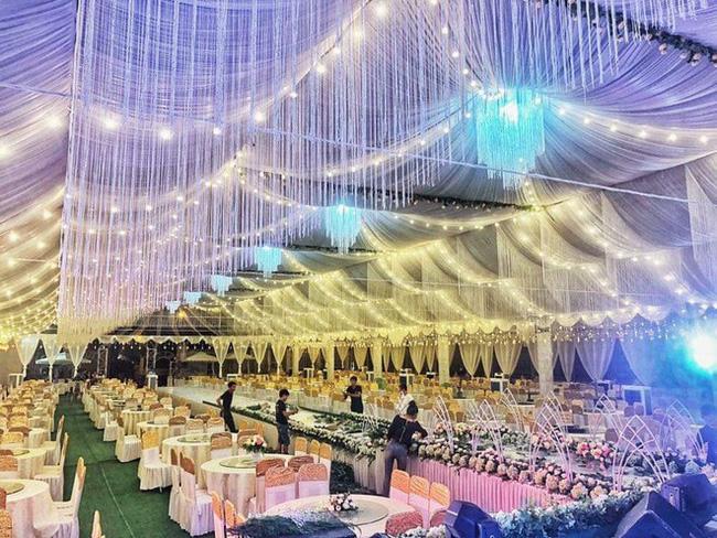Xôn xao rạp cưới khủng được trang hoàng lộng lẫy trị giá hơn 800 triệu, dùng 100% hoa tươi ở Vĩnh Phúc-1