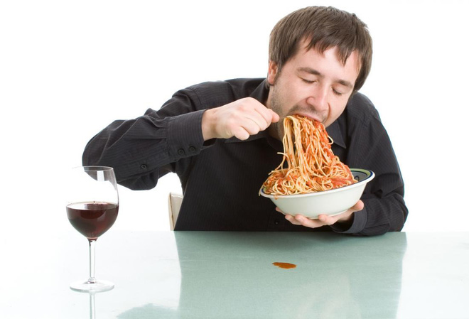 Bữa trưa ảnh hưởng lớn đến sức khỏe và tâm trạng: 2 sai lầm nguy hiểm có thể bạn cũng mắc-2