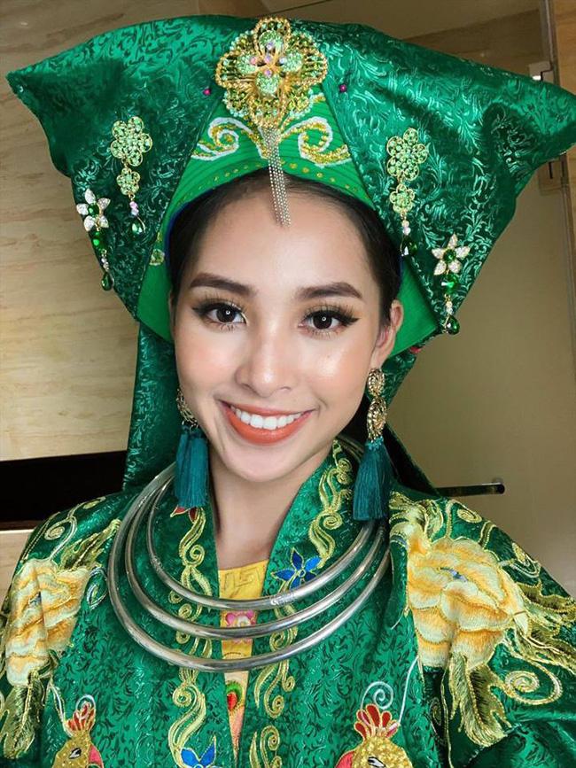 Không còn úp mở, Tiểu Vy công khai cận cảnh trang phục Cô Đôi Thượng Ngàn mang đến trình diễn tại Miss World 2018-4