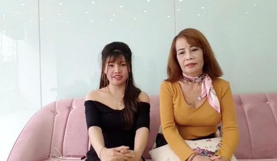 Livestream thay đến 4 bộ váy mát mẻ thể hiện độ chịu chơi, cô dâu 62 tuổi bị chỉ trích quá lố-1
