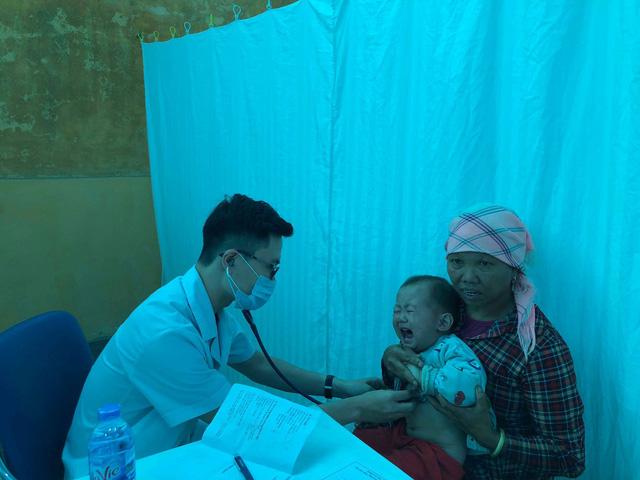 """Bộ trưởng y tế lệnh"""" bệnh viện tuyến cuối phải giảm ômbệnh nhân-2"""