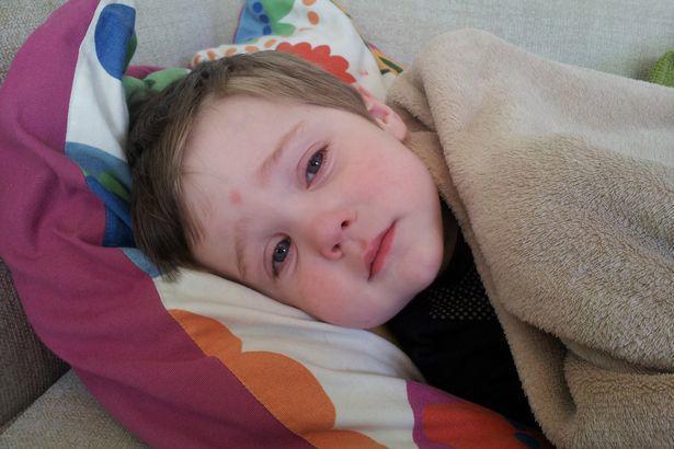 Mẹ cứu sống con nhờ bức ảnh cảnh báo bệnh trên Facebook, cha mẹ nên lưu lại ngay!-2
