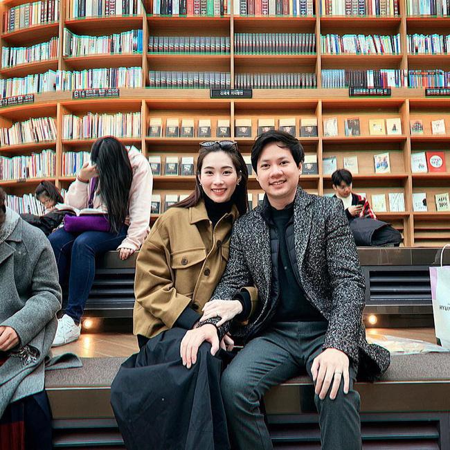 Ngọt ngào như vợ chồng nhà HH Thu Thảo: Từ lúc hẹn hò tới giờ vẫn rất tích cực diện đồ xuyệt tông với nhau-3