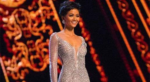 Cùng ngắm lại khoảnh khắc H'Hen Niê phô trọn đường cong quyến rũ  tại chung kết Miss Universe 2018
