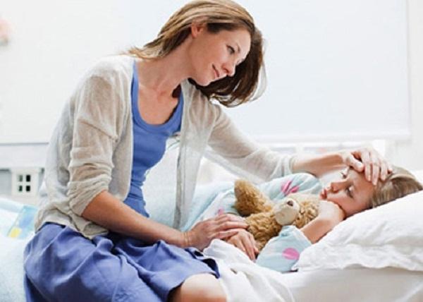 Sai lầm nghiêm trọng của mẹ  khi hạ sốt cho trẻ-2