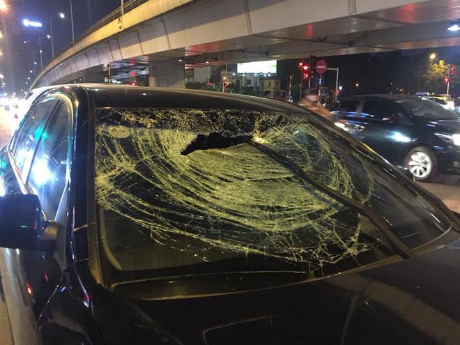 Xe Hyundai tông liên hoàn trên đường Trần Duy Hưng rồi bỏ chạy - hai bà bầu nhập viện-5