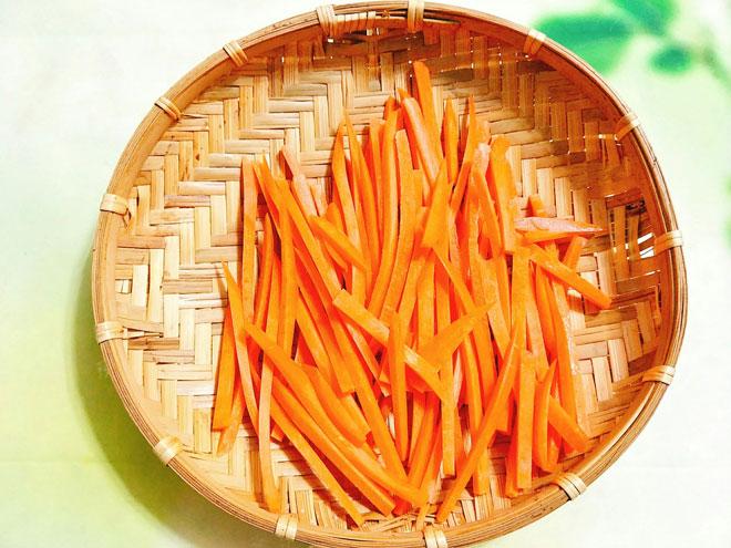 Tuyệt chiêu cách làm mứt cà rốt  đơn giản tại nhà  mà ngon đón Tết-2