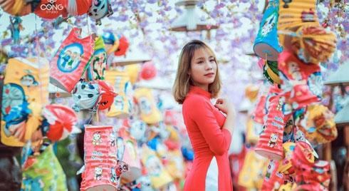 Những ngày mà tiết trời lành lành, se se thế này đi đâu ở Hà Nội để chụp được bộ ảnh Tết siêu đẹp?