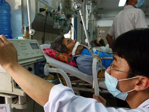 Nhầm đột quỵ với trúng gió có thể mất mạng: Chuyên gia BV Bạch Mai chỉ cách phân biệt-2