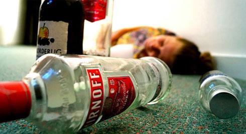 Biểu hiện của ngộ độc rượu ngộ độc rượu Methanol, nhận biết sớm để phòng tránh tử vong