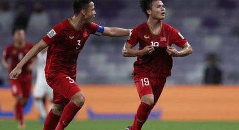 """Vẽ lại """"cầu vồng trên tuyết"""", Quang Hải vẫn chưa thể đưa Việt Nam giành vé sớm vào vòng 1/8"""