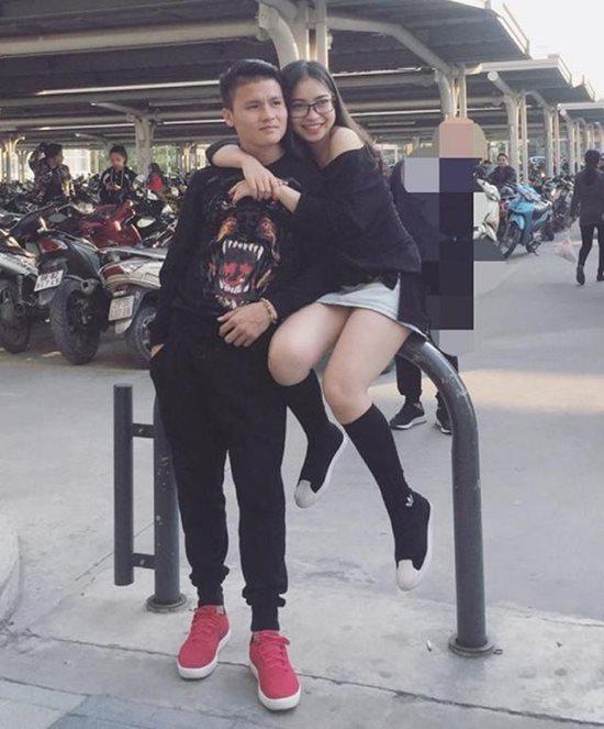 Người yêu Quang Hải vừa xinh lại giàu: Đi giày 36 triệu, túi xách hơn 40 triệu-6