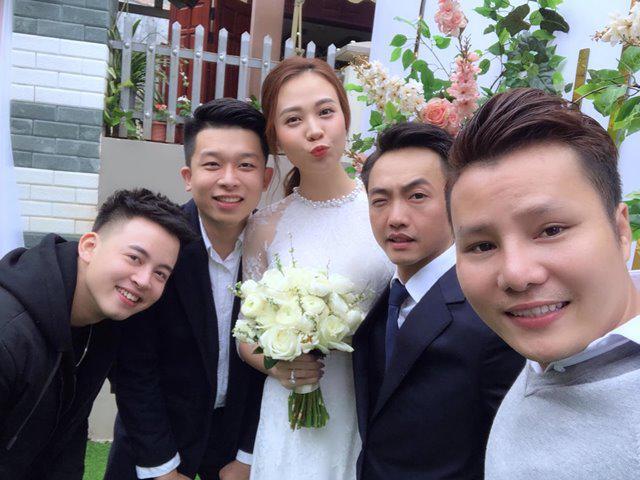 Không phải xanh hay đỏ, trắng mới là gam màu được nhiều mỹ nhân lựa chọn trong ngày cưới-2