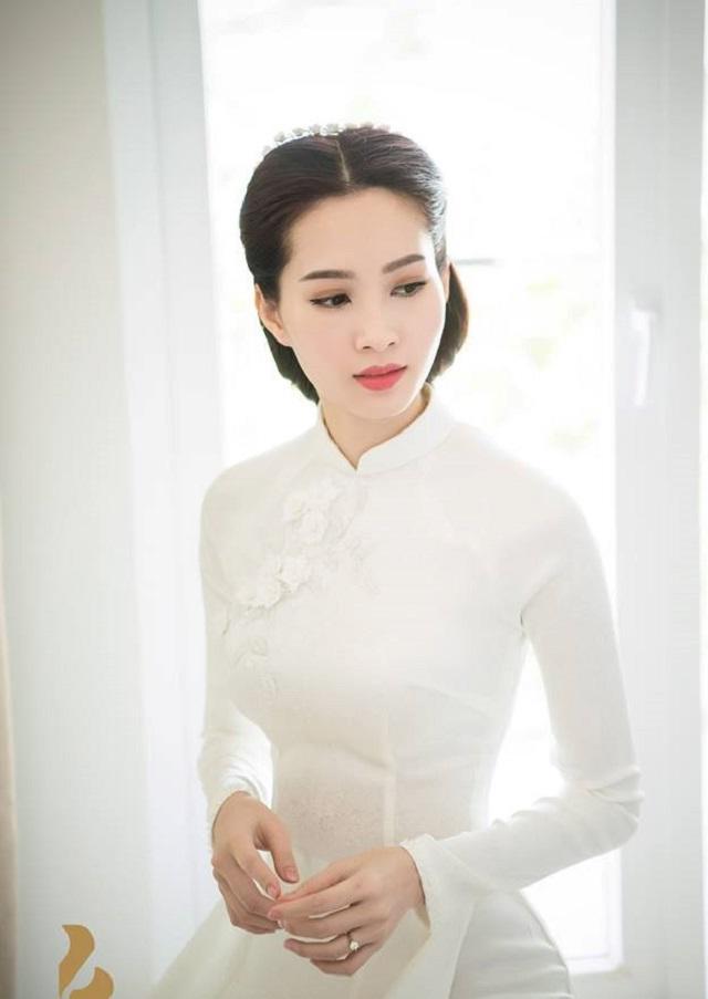 Không phải xanh hay đỏ, trắng mới là gam màu được nhiều mỹ nhân lựa chọn trong ngày cưới-8