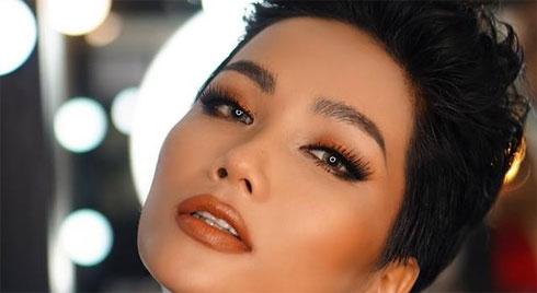 Vẻ đẹp của H'Hen Niê có gì xuất chúng để được vinh danh 'Hoa hậu đẹp nhất thế giới 2018'?