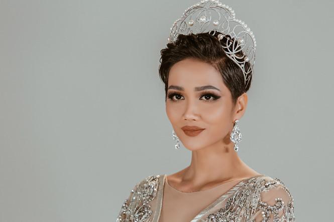 Vẻ đẹp của HHen Niê có gì xuất chúng để được vinh danh Hoa hậu đẹp nhất thế giới 2018?-2
