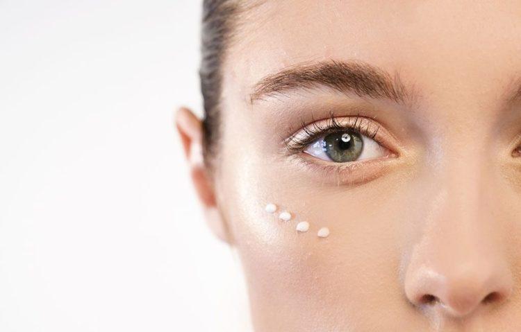 Bí quyết xóa nếp nhăn vùng mắt giúp bạn trẻ trung hơn-1