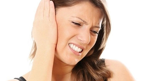 Ù tai phải kéo dài có thể là dấu hiệu cảnh báo bệnh nguy hiểm