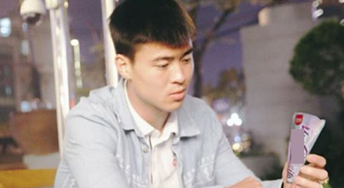 """Thông báo tặng kem cho người thương Valentine sắp tới, Duy Mạnh """"tịt ngóm"""" khi bạn gái Quỳnh Anh """"dằn mặt"""" câu này"""