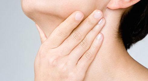 Những biến chứng của bệnh viêm họng chớ nên xem thường