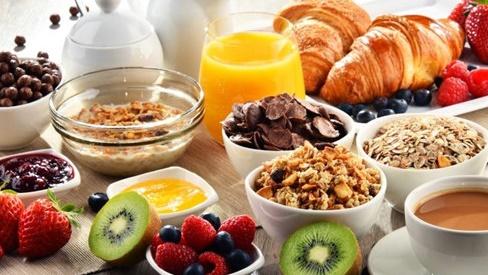 Tại sao bạn nên ăn sáng như một vị vua?