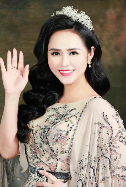 Nữ hoàng hoa hồng Bùi Thanh Hương đồng hành BGK Quốc tế của Queen of The Spa 2019-4