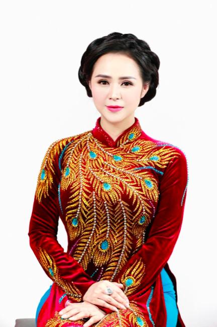 Nữ hoàng hoa hồng Bùi Thanh Hương đồng hành BGK Quốc tế của Queen of The Spa 2019-6