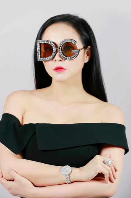 Nữ hoàng hoa hồng Bùi Thanh Hương đồng hành BGK Quốc tế của Queen of The Spa 2019-10