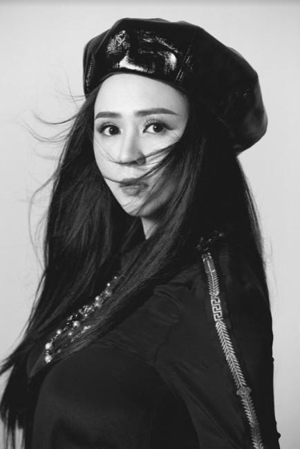 Nữ hoàng hoa hồng Bùi Thanh Hương đồng hành BGK Quốc tế của Queen of The Spa 2019-7