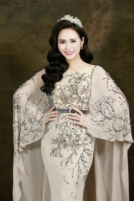 Nữ hoàng hoa hồng Bùi Thanh Hương đồng hành BGK Quốc tế của Queen of The Spa 2019-13