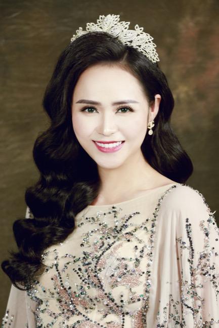 Nữ hoàng hoa hồng Bùi Thanh Hương đồng hành BGK Quốc tế của Queen of The Spa 2019-3