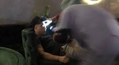 Nghi vấn người đàn ông ngoại quốc tử vong do hút bóng cười tại Hà Nội