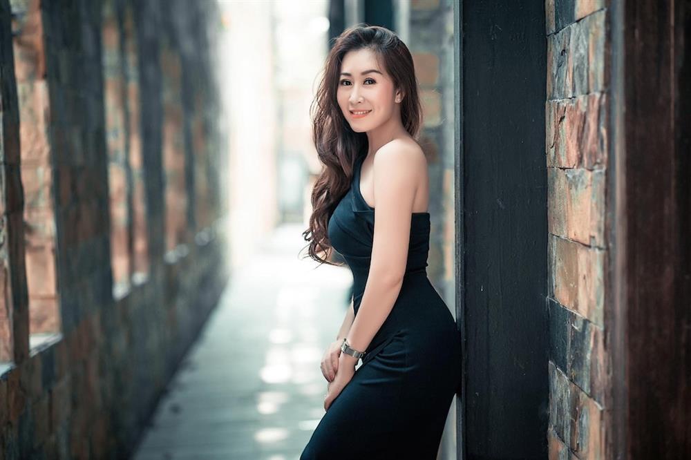 Bất ngờ với nét quyến rũ, gợi cảm của thí sinh Miss U30 qua bộ ảnh đăng kí dự thi-2