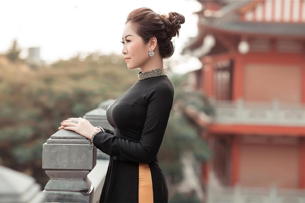 Bất ngờ với nét quyến rũ, gợi cảm của thí sinh Miss U30 qua bộ ảnh đăng kí dự thi-7