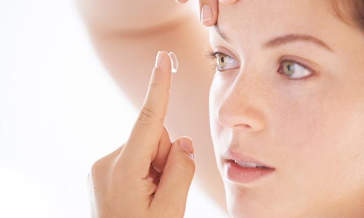 Tác hại của kính áp tròng: Bạn chớ nên xem thường-1