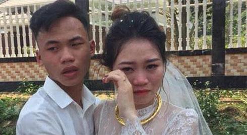 Chị gái lấy chồng, nam thanh niên chạy theo khóc nức nở khiến người xung quanh cũng không cầm được nước mắt