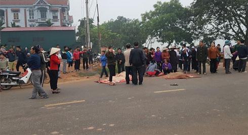 Ô tô khách tông kinh hoàng vào đoàn xe đưa tang, 7 người chết, nhiều người bị thương nặng