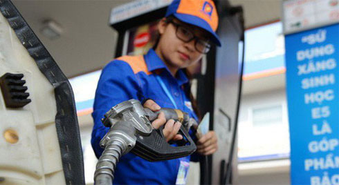 Giá xăng dầu tăng sốc, RON 95 chạm đỉnh 20.000 đồng/lit