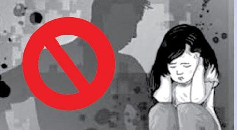 5 điều cần dạy con tránh bị xâm hại trong thang máy
