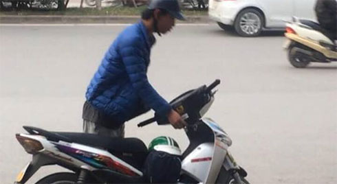 Chỉ vì không đổi được tiền lẻ, nam thanh niên cầm gạch đập thẳng vào đầu nữ nhân viên bán trà sữa ở Hà Nội