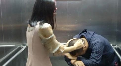 CLIP KỊP THỜI: Võ sư chỉ cách phòng vệ khi bị sàm sỡ trong thang máy
