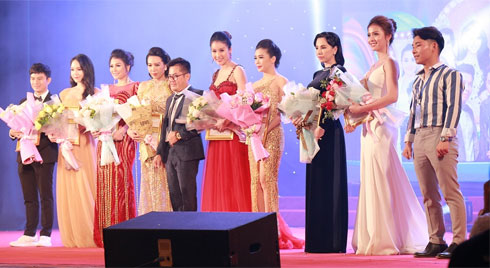 Phùng Thị Thanh Thảo đăng quang hoa khôi Đại Sứ môi trường Hải Phòng 2019