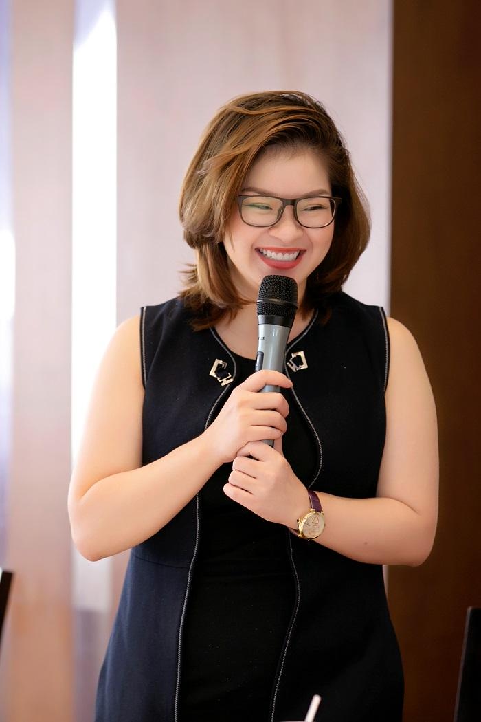 """Ms. Trịnh Thúy Hạnh – Giám đốc điều hành Sunny Smile Dental Clinic BSIN & WLIN Iron Chef là sợi dây gắn kết các thành viên trong gia đình""""-2"""