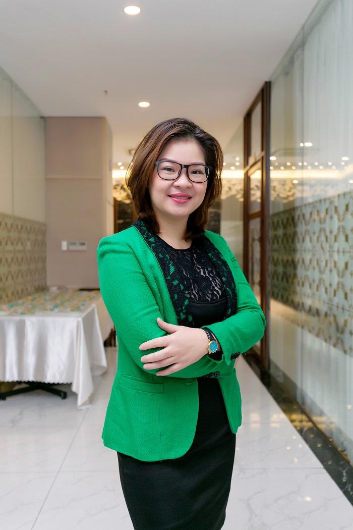 """Ms. Trịnh Thúy Hạnh – Giám đốc điều hành Sunny Smile Dental Clinic BSIN & WLIN Iron Chef là sợi dây gắn kết các thành viên trong gia đình""""-1"""