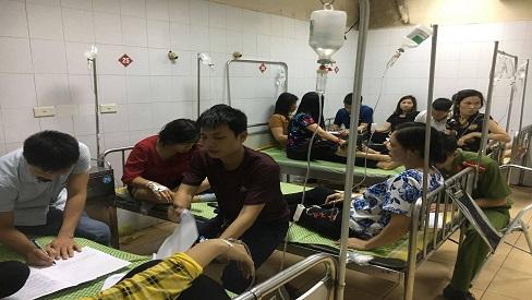 Sau bữa ăn trưa, gần 90 công nhân của công ty TNHH HaHae Việt Nam phải nhập viện cấp cứu