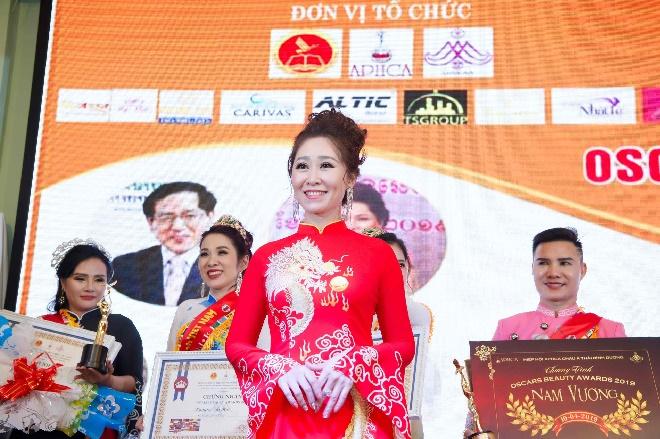 Doanh nhân Trần Thị Thanh Châu đăng quang Nữ hoàng ASEAN tại Oscars Beauty Awards 2019-1