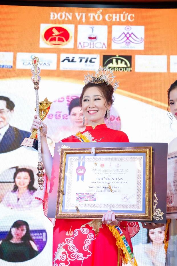 Doanh nhân Trần Thị Thanh Châu đăng quang Nữ hoàng ASEAN tại Oscars Beauty Awards 2019-7