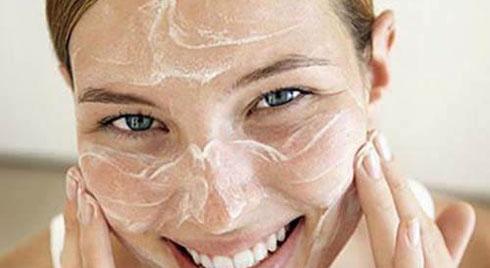 Cứ dùng vitamin E theo cách này, da cứ thế căng bóng, mịn màng chẳng cần mua mỹ phẩm